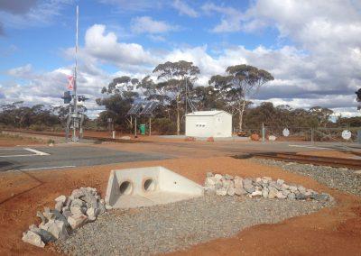 Golden Ridge Road and Rail Crossing Design